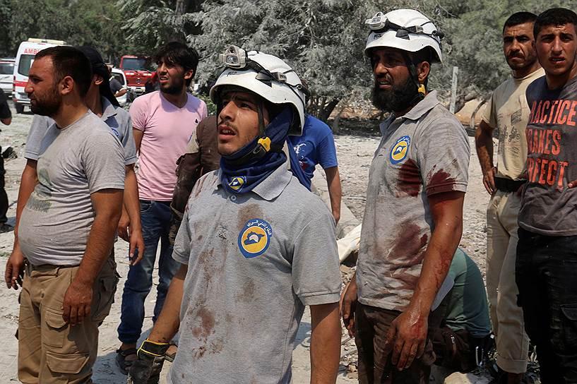 За несколько недель петицию о выдвижении сирийских спасателей на Нобелевскую премию подписало более 130 тыс. человек. В частности, документ поддержали Алиша Киз, Бен Аффлек, Джордж Клуни