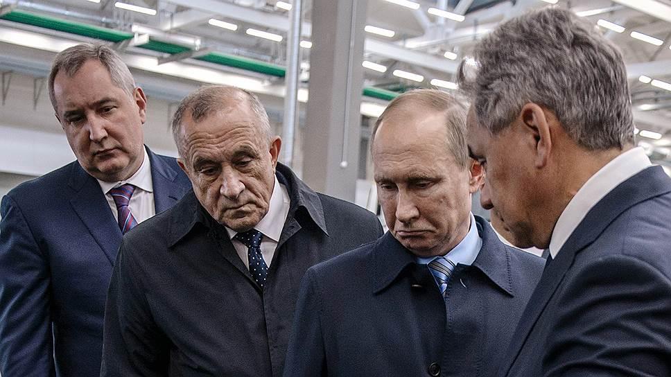 Как Владимир Путин обследовал оружие будущего и станки прошлого