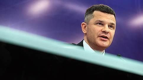 Дмитрий Каменщик крепко держится за бизнес  / Он не собирается продавать Домодедово или приглашать партнеров