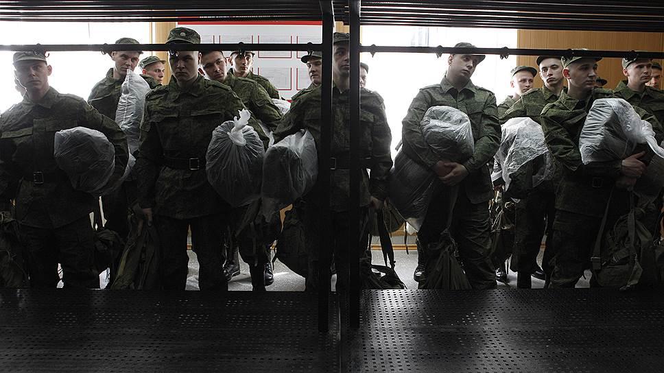 Как россияне относятся к военной службе