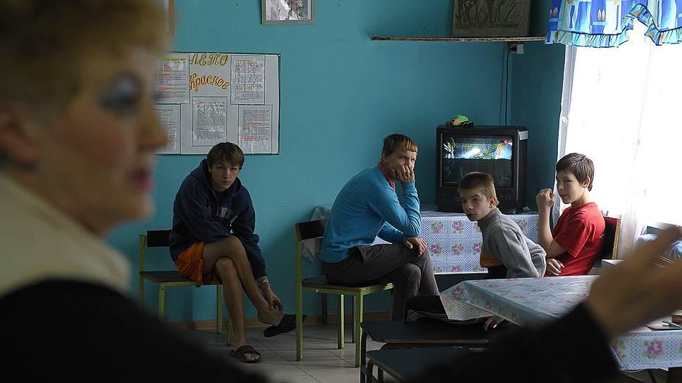 Как Общественная палата изучила проблемы российских сирот