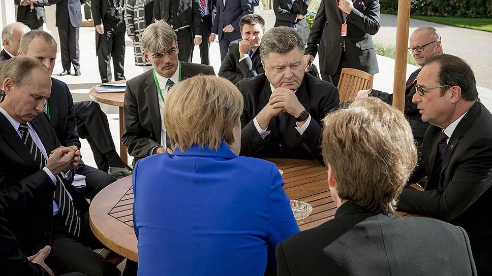 Власти Украины не собираются воевать в Донбассе, но и в мирный процесс не верят
