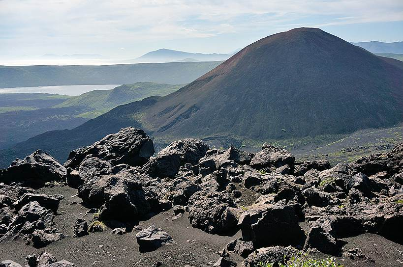 Вулкан Меньшой Брат на острове Итуруп