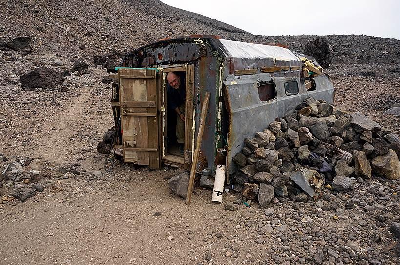 Стоянка вулканологов на острове Итуруп