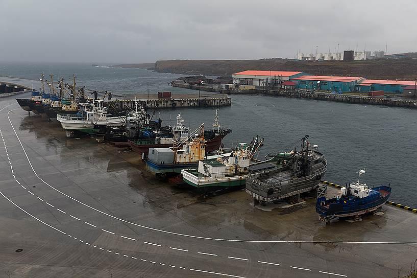 Морской порт на острове Итуруп