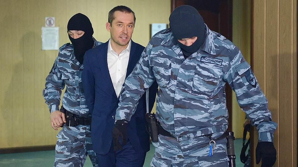 Как суд продлил арест Дмитрию Захарченко