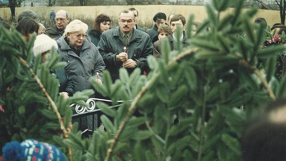 Двадцать лет спустя Котляковки / Годовщина массового убийства на кладбище