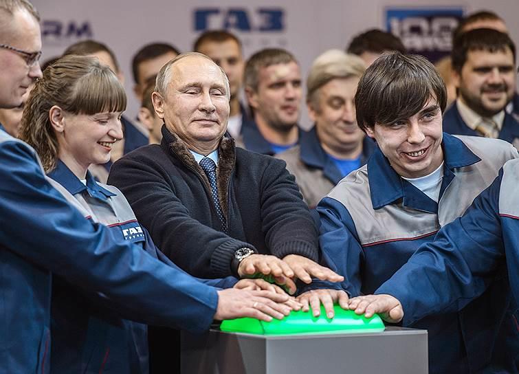 Владимир Путин благословил новый двигатель Ярославского моторного завода