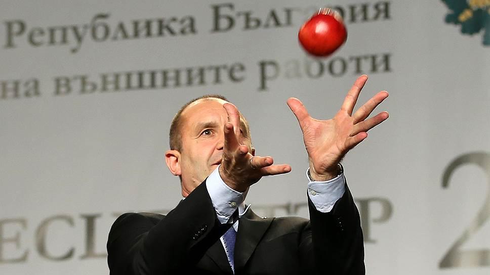 Избранный президент Болгарии Румен Радев