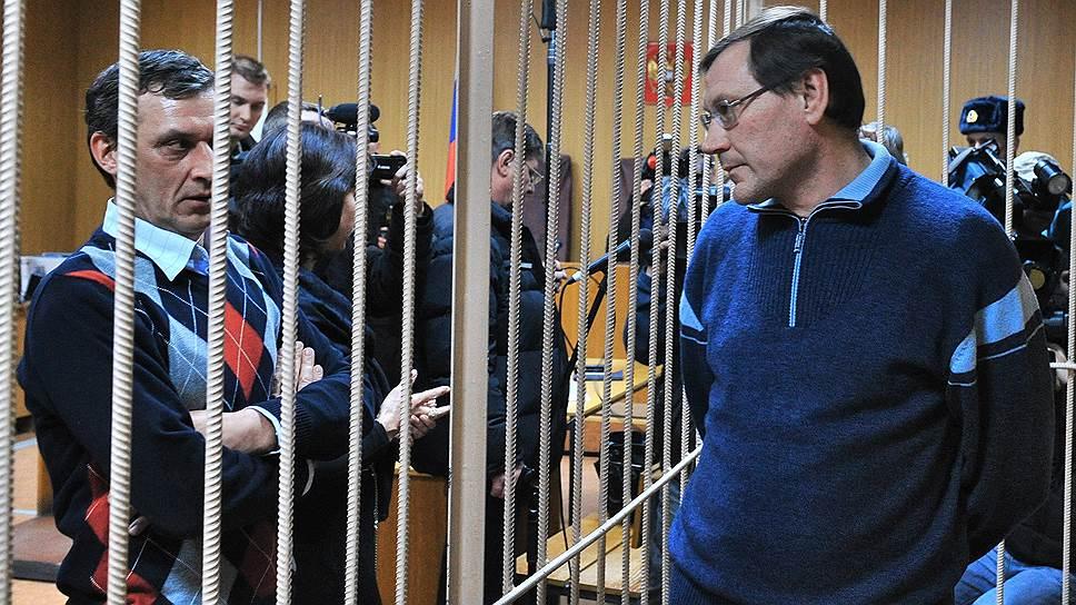 Бывший директор ГКУ «Управление заказчика» Константин Мосин (справа)