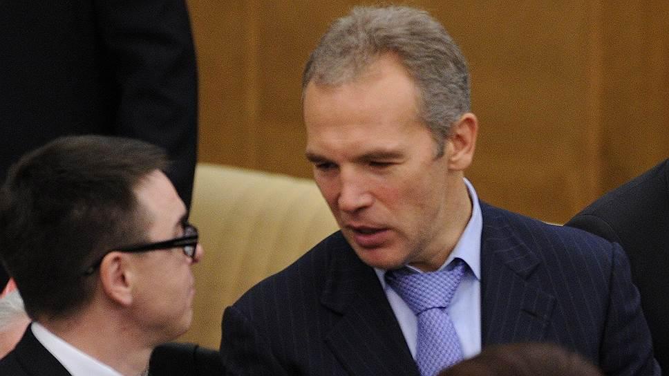 Бывший депутат Госдумы Александр Скоробогатько (справа)