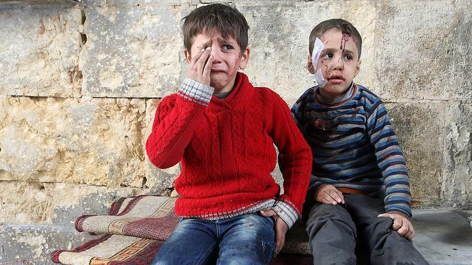 Жители Алеппо покидают подконтрольные боевикам районы