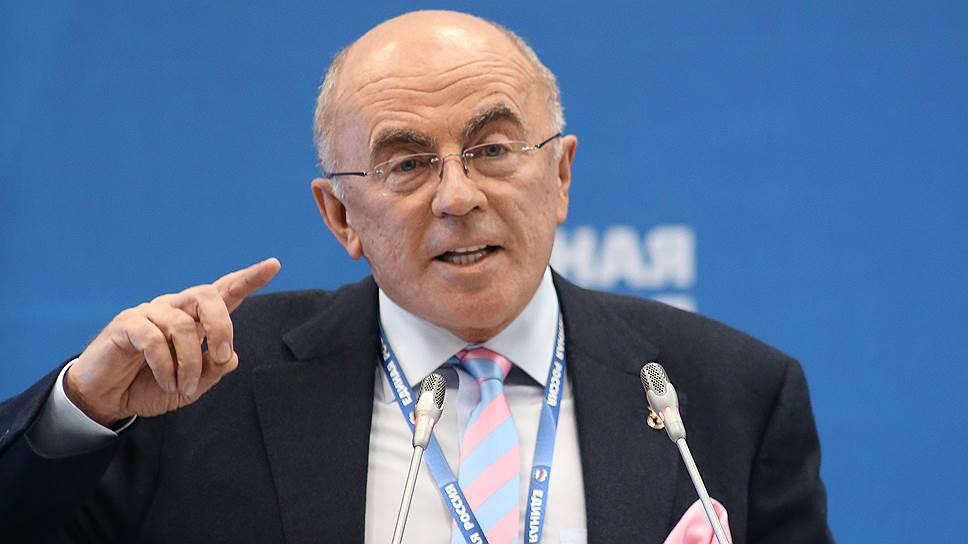 Ректор Санкт-Петербургского гуманитарного университета профсоюзов Александр Запесоцкий