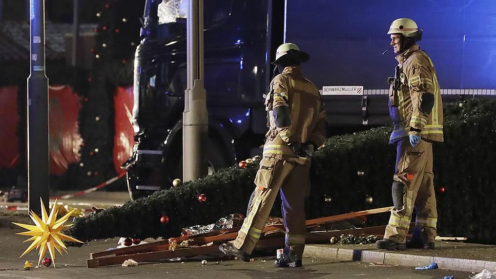Почему наезд на толпу грузовика в Берлине признали терактом