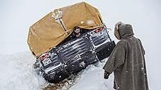 Пятидесятиградусный мороз остановил грузовики