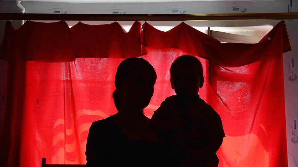 Как из приемной семьи в Москве были изъяты десять детей