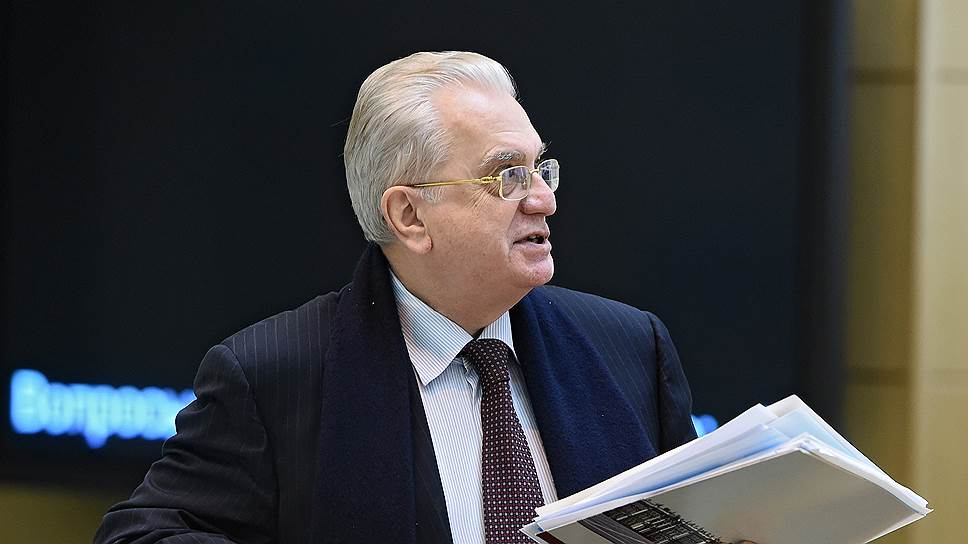 Директор Эрмитажа хочет остановить «общественное противостояние» из-за Исаакия