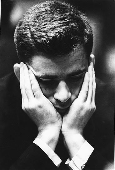 Эксперты и спортсмены называют Бориса Спасского универсальным шахматистом, способным применять различные тактики. Роберт Фишер вспоминал о своем противнике: «Спасский сидит за доской с одинаковым выражением лица, когда он матует или когда ему ставят мат. Он может прозевать фигуру, и вы никогда не будете уверены, это зевок или фантастически глубокая жертва»