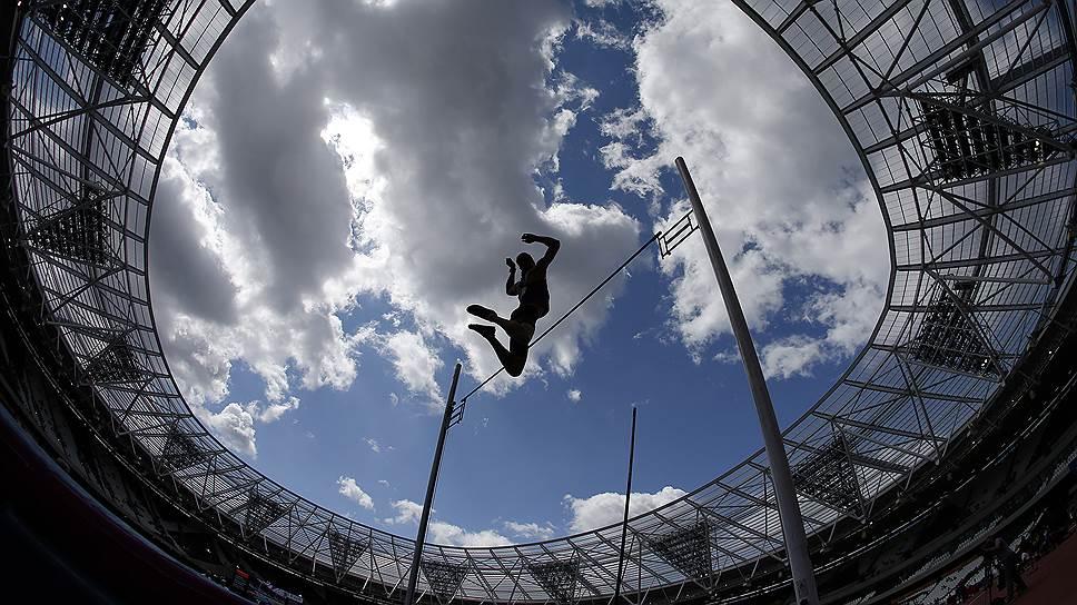 Российские легкоатлеты будут выступать под нейтральным флагом