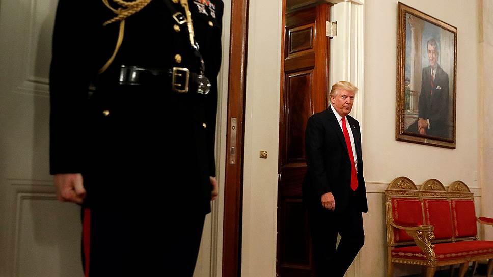 Президент США обвинил своего предшественника и его сторонников в утечках в СМИ