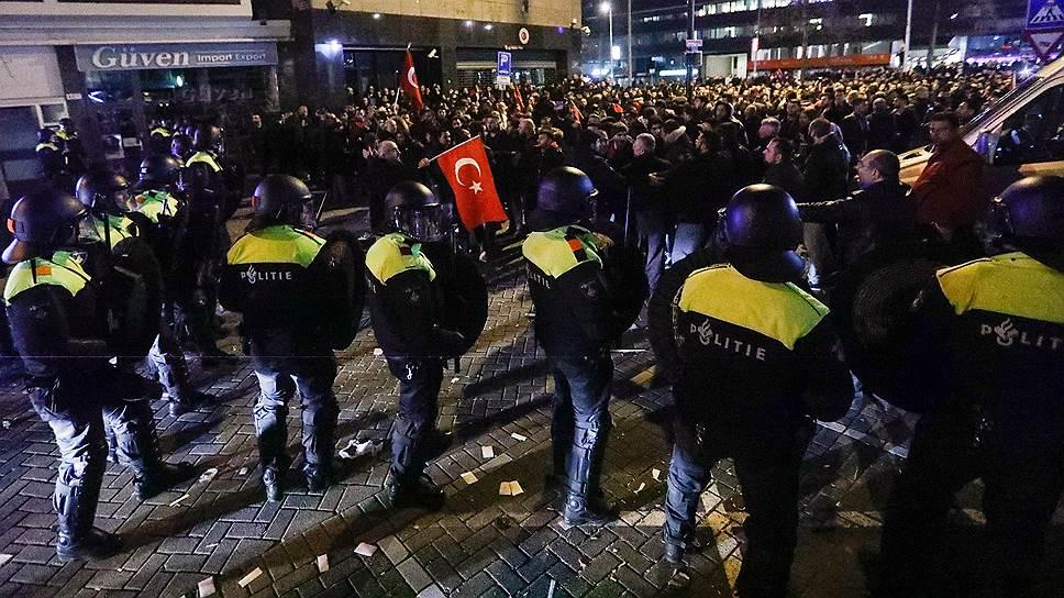 Почему голландские власти вступили в открытый конфликт с Турцией