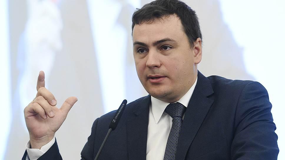 Как Госдума одобрила поправки в законы об аккредитации и рекламе
