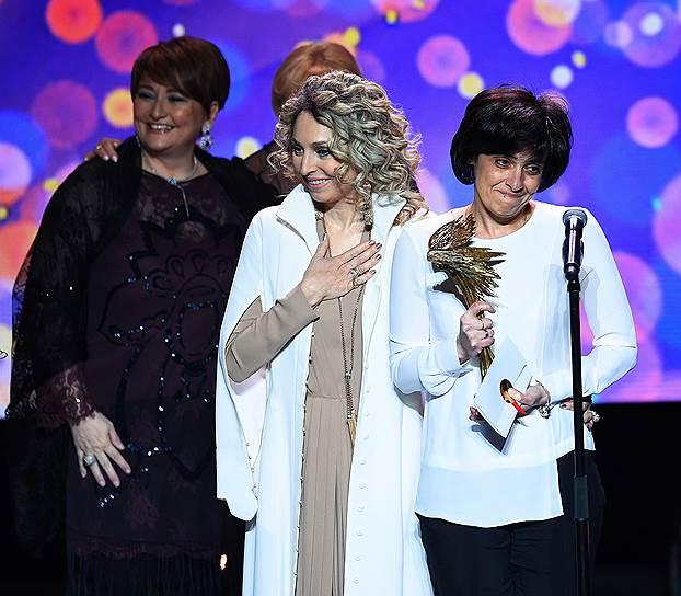 Справа налево: режиссер Русудан Глурджидзе, театральный и музыкальный менеджер Катерина Гечмен-Вальдек и актриса Ия Нинидзе