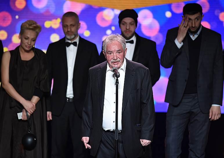 Президент Национальной ассоциации телерадиовещателей Эдуард Сагалаев (в центре)