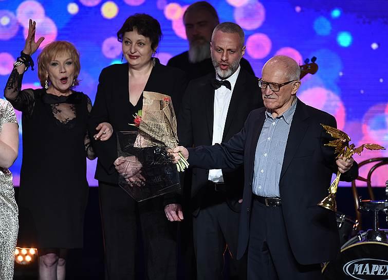 Слева направо: Актриса Елена Коренева, режиссер Павел Бардин, режиссер Александр Митта