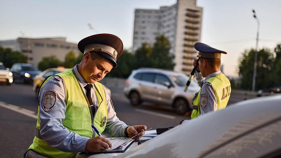 Верховный суд разъяснил водителям, как общаться с ГИБДД