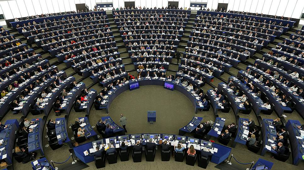 Европарламент обвинил власти России в нарушении прав человека в ходе митингов