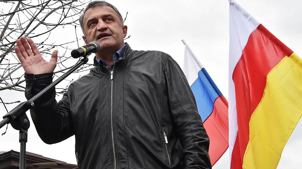 Как Анатолий Бибилов победил на выборах главы Южной Осетии