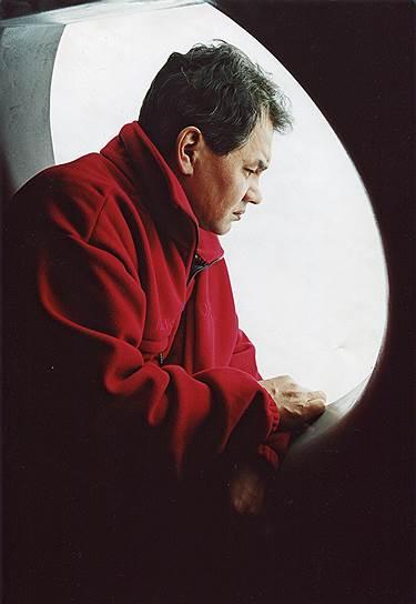Сергей Кужугетович Шойгу. В начале 1990-х возглавил Российский корпус спасателей, впоследствии преобразованный в МЧС. Сохранял свой пост при всех сменах Кабинета министров. В 1999 году на парламентских выборах возглавил прокремлевское движение «Единство», переросшее в партию «Единая Россия». С мая по ноябрь 2012 года был губернатором Московской области. С ноября 2012 года — министр обороны РФ