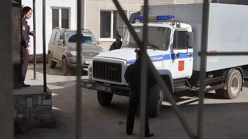 ЕСПЧ намерен скорректировать правила перевозки осужденных и подследственных