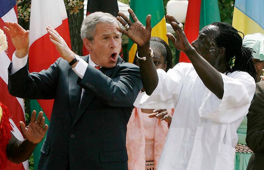 43-й президент США Джордж Буш-младший на мероприятии, посвященном Дню борьбы с малярией