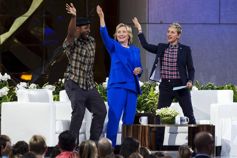 Бывший кандидат в президенты США Хиллари Клинтон на записи «Шоу Эллен Дедженерес»