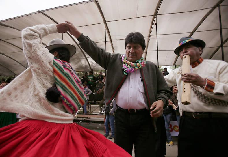 Бывший президент Боливии Эво Моралес на празднике урожая