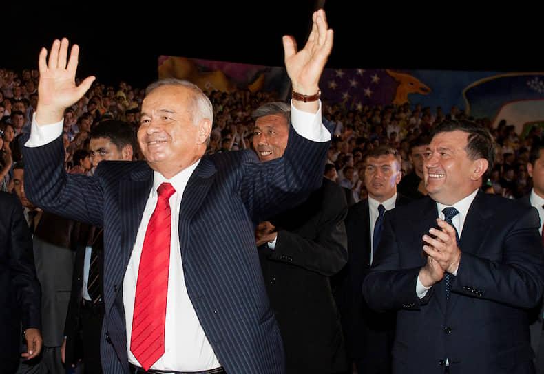 Экс-президент Узбекистана Ислам Каримов танцует на Дне независимости страны