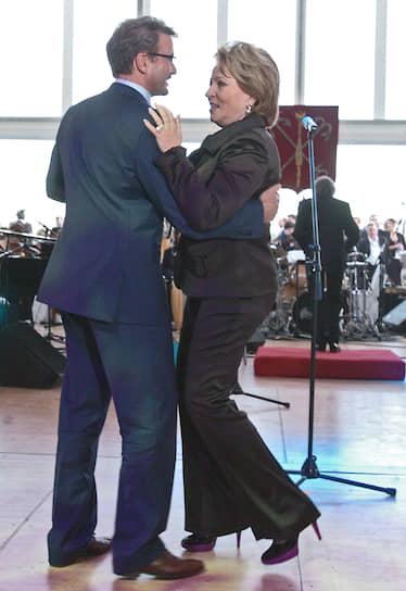 Глава Сбербанка Герман Греф и спикер Совета федерации Валентина Матвиенко на приеме по случаю окончания Петербургского международного экономического форума