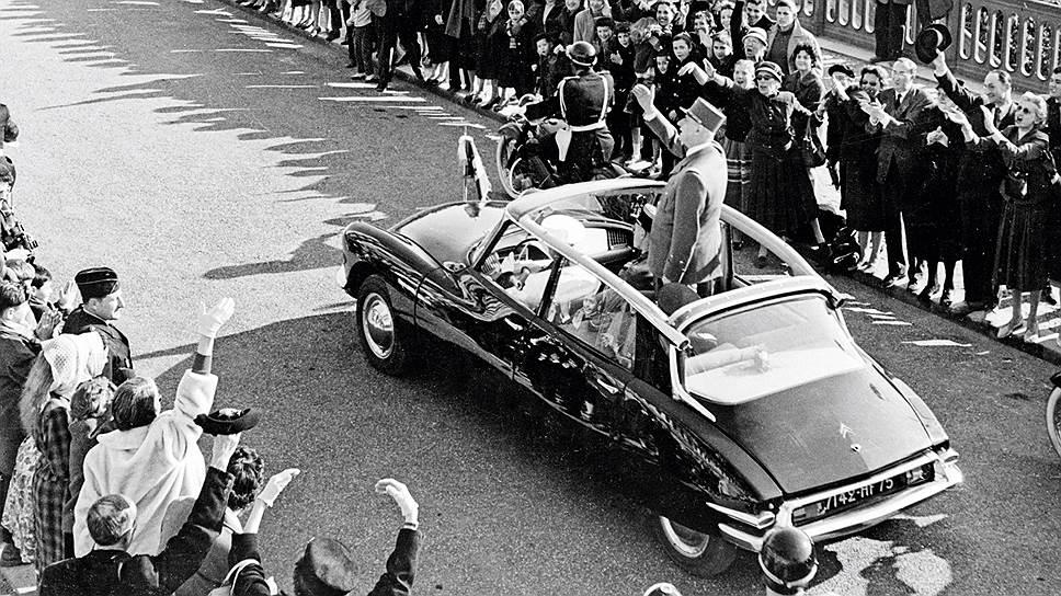 Шарль де Голль в Citroen DS