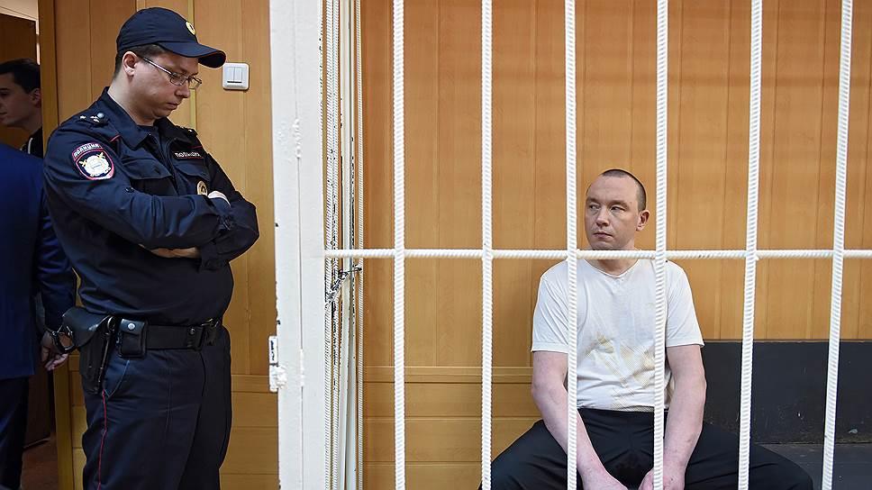 Александр Шпаков  за нападение на полицейского получил полтора года колонии
