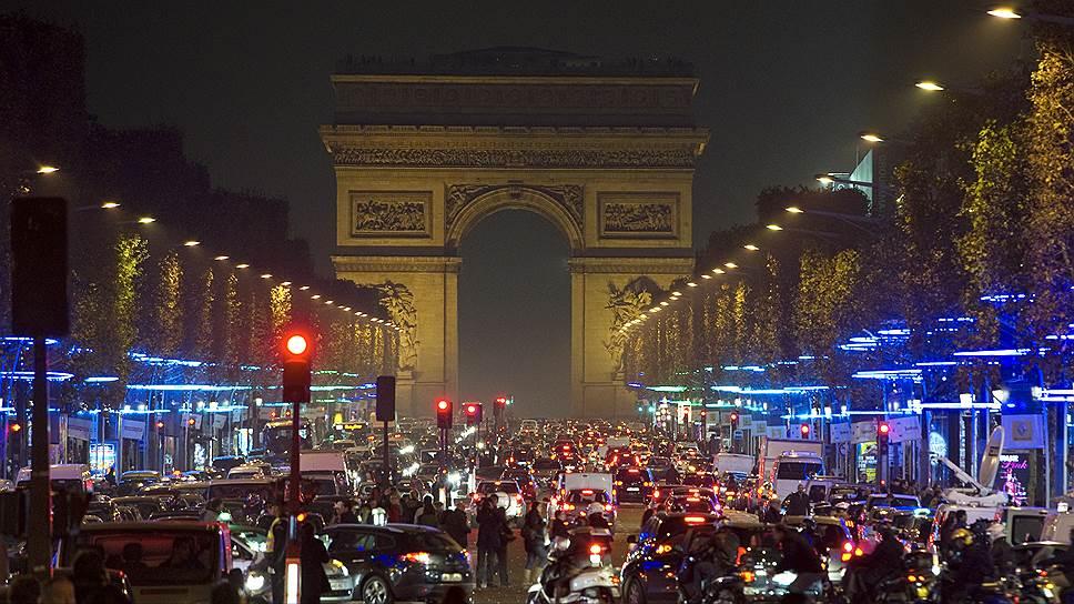 Париж — автомобилям здесь не место