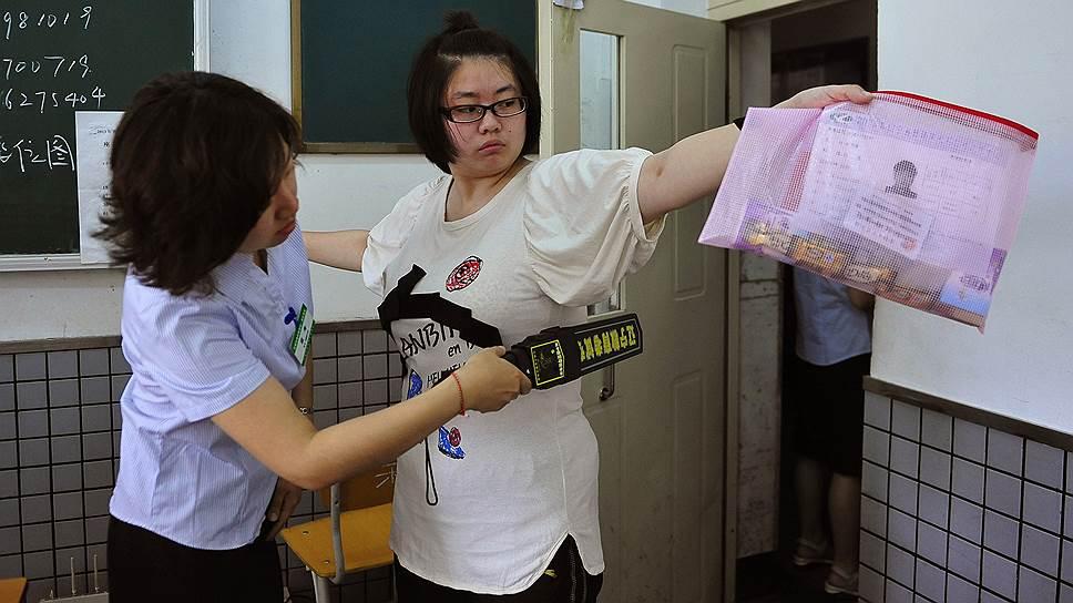 Большинство китайцев считают, что списывать можно, но осторожно