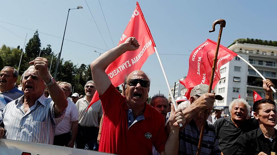 Как Грецию вновь уберегли от дефолта