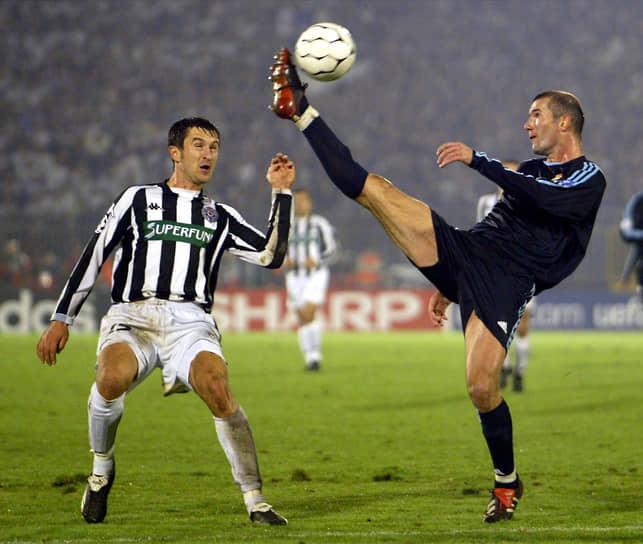 В 2002 году «Реал» победил в Лиге чемпионов, на следующий год — в чемпионате Испании. Зидан как игрок мадридского клуба в третий раз был признан лучшим футболистом года