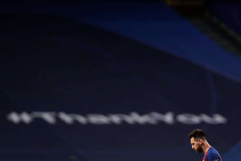 Всего в 724 матчах за «Барселону» футболист забил 630 голов