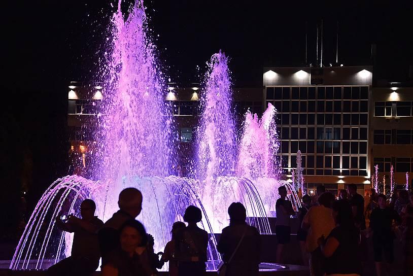 Музыкальные подсвеченные фонтаны — гордость черноморской урбанистики
