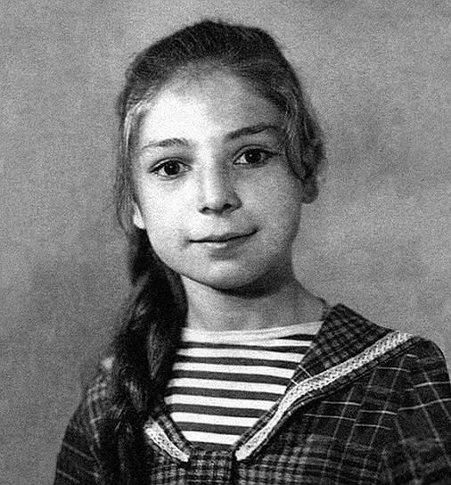 Жанна Агузарова родилась 7 июня 1962 года в Тюменской области