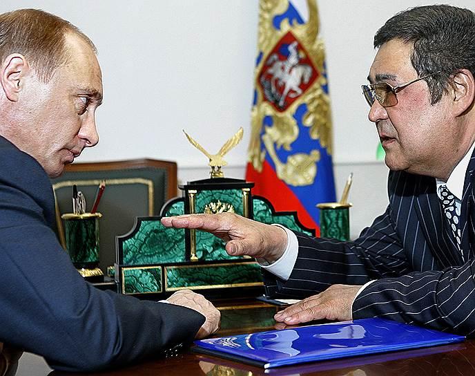 26 марта 2000 года Аман Тулеев участвовал в выборах президента РФ. Получил 2,95% голосов и занял четвертое место из 11 кандидатов. При этом в Кемеровской области Тулеев набрал 51,57% голосов, опередив Владимира Путина (25,01%)