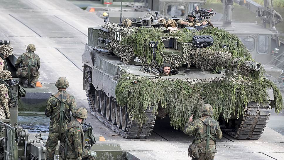 Эксперты МГИМО — о том, чем грозит милитаризация Прибалтики
